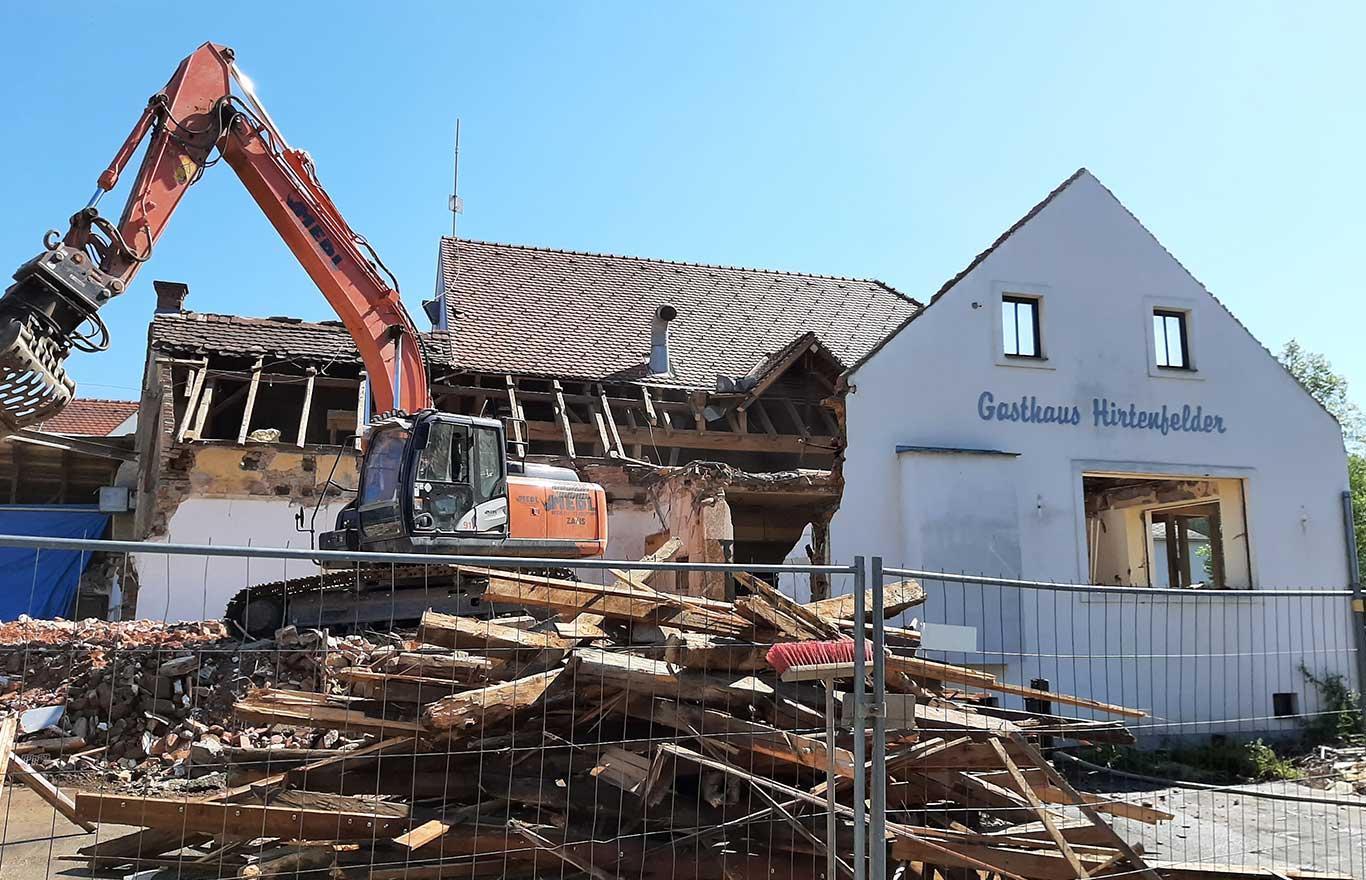 Abbrucharbeiten Gasthaus Hirtenfelder